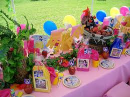 Snow White Party Table